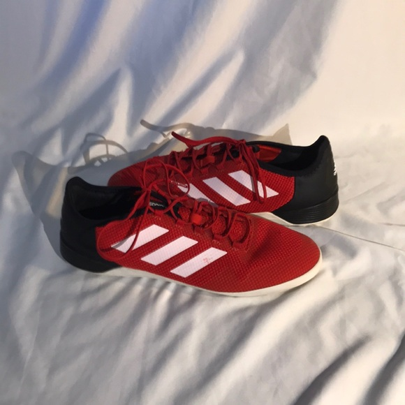 774708ce0 adidas Ace Tango 17.2 Indoor Soccer Shoes. M 5b59f015f3036937c4f78959